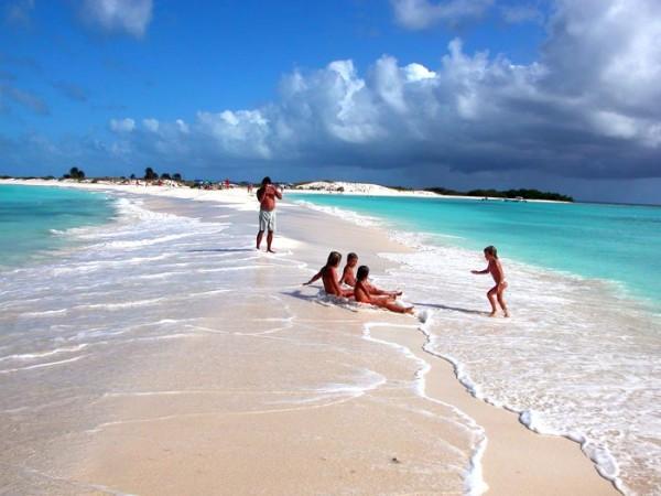 Los-Roques-Beach-Venezuela